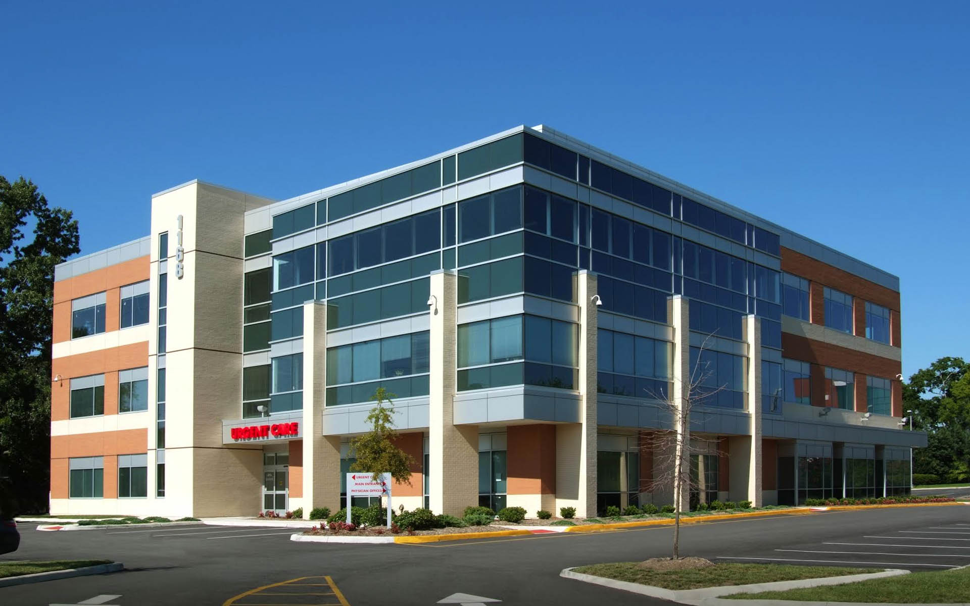 Commercial real estate jackson ms for Office building architecture